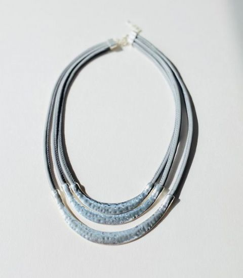TRIPLE STRAND SHORT NECKLACE SILVER